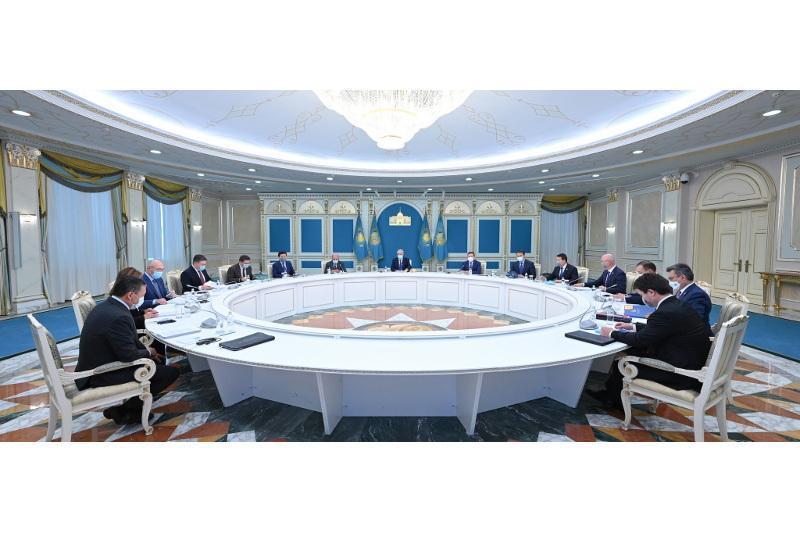 托卡耶夫总统主持召开最高改革委员会例行会议