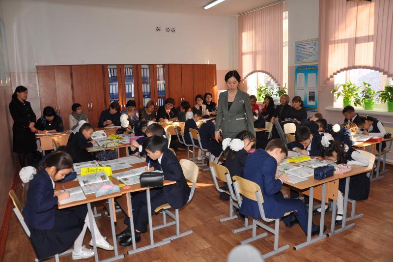 Случайный выбор оказался призванием - алматинский учитель из династии педагогов