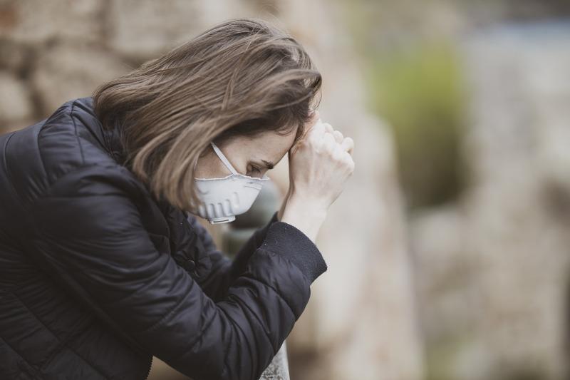 Распространенность депрессии у перенесших COVID-19 достигает 29% - эксперт