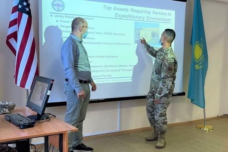 Стандарты ООН в медобеспечении армии обсудили военные Казахстана и США