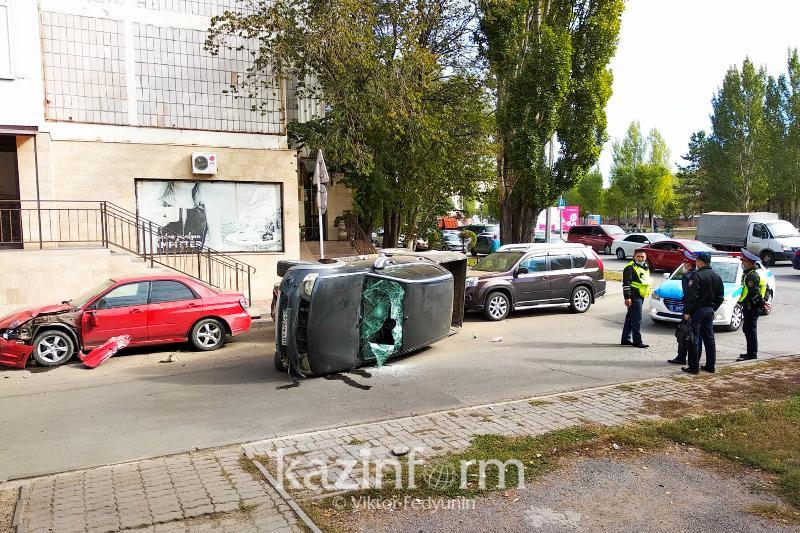 Угонщик протаранил несколько машин в Нур-Султане: пострадал полицейский