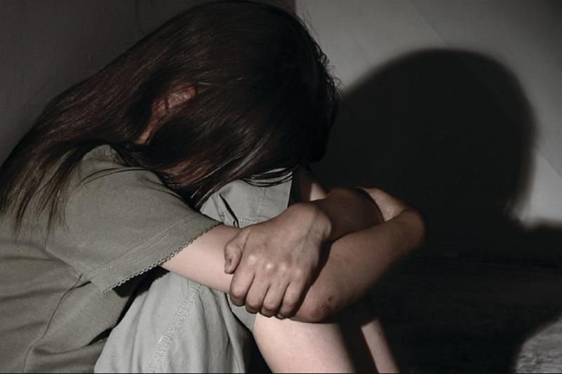 Отец насиловал родную дочь в Костанайской области