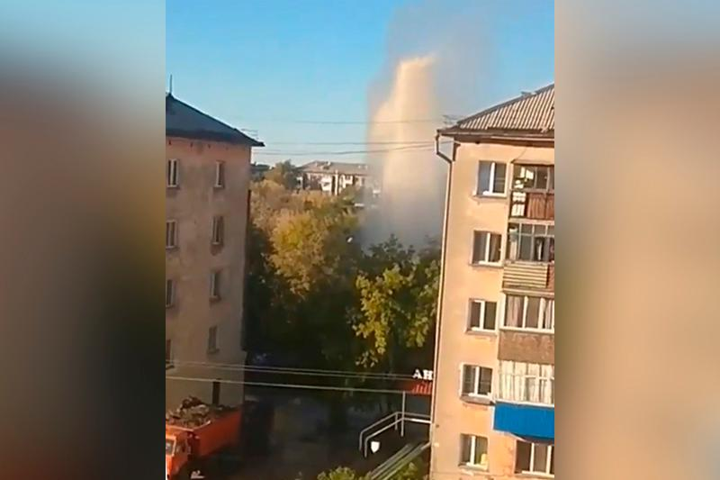 Фонтан воды высотой в пятиэтажный дом бил в Петропавловске