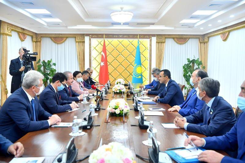 Маулен Ашимбаев встретился со Спикером Великого Национального Собрания Турции