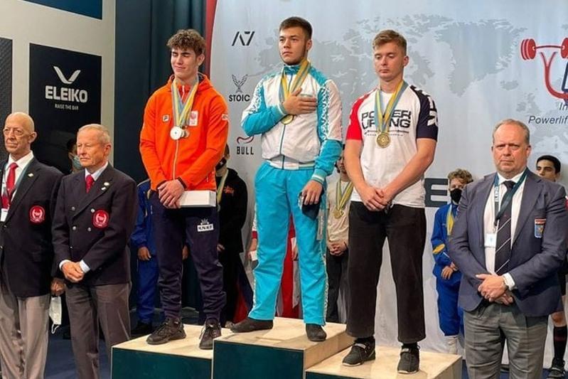 17 жасар павлодарлық классикалық пауэрлифтингтен әлем чемпионы атанды