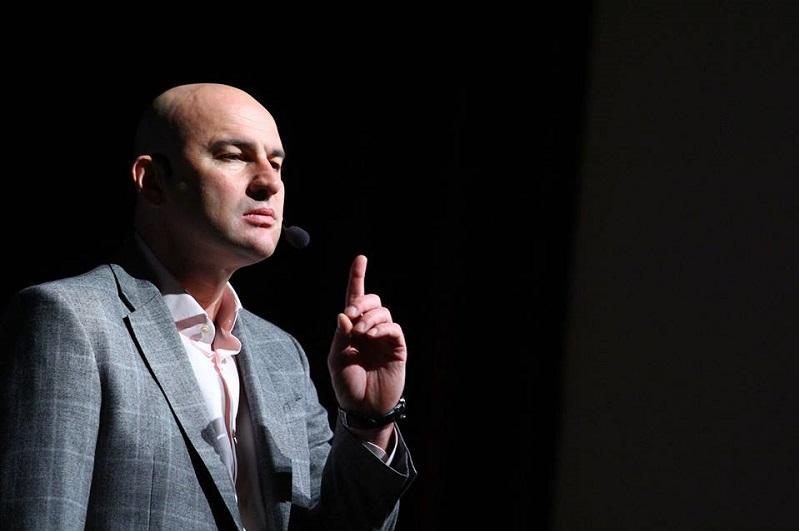 Известный бизнес-тренер Радислав Гандапас выступил на Astana Media Week