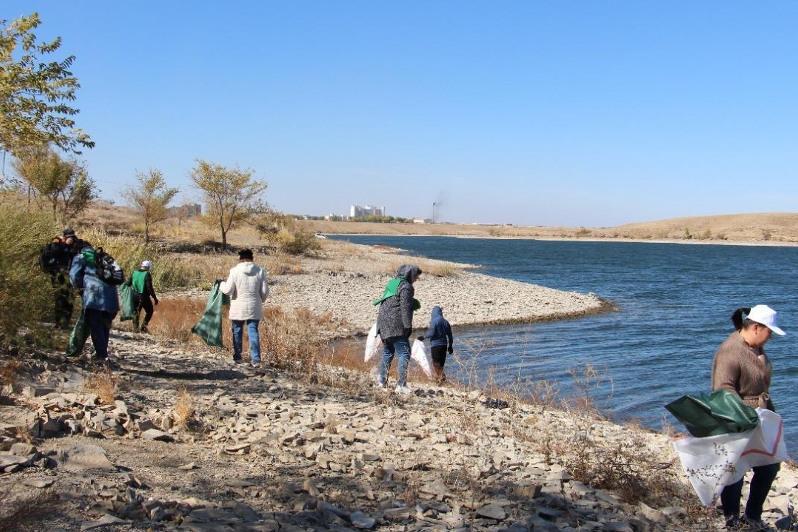 280 мешков мусора собрали в Балхаше и Жезказгане во время экосубботников