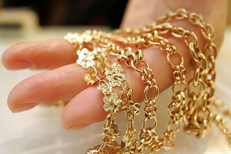 Ұялы телефон, ішік, алтын бұйымдар: Астаналық интернет алаяқтар адамдарды қалай алдайды