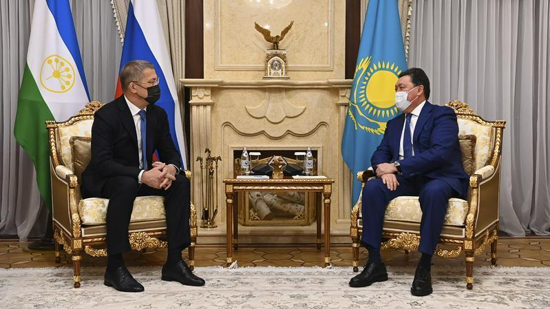 政府总理会见巴什科尔托斯坦共和国首脑