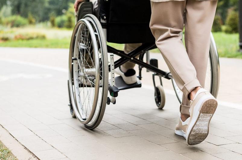 Законопроект: путевки в санаторий для опекуна ребенка с инвалидностью планируют ввести в РК