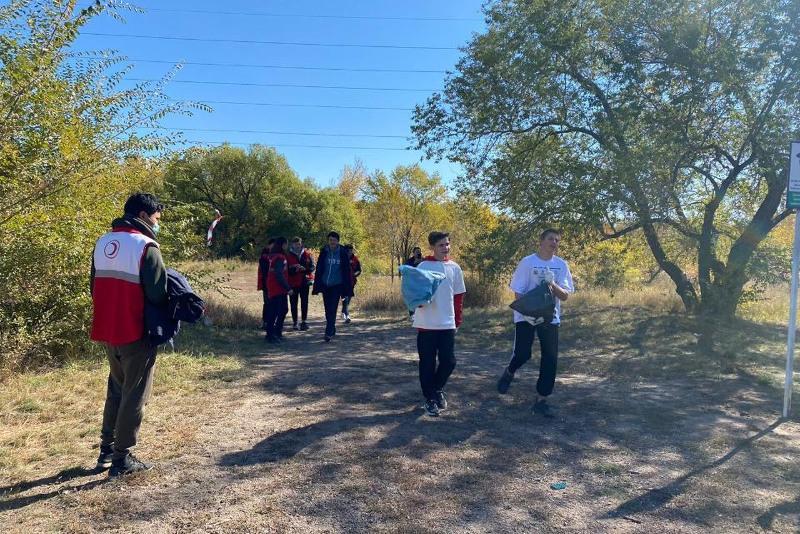Молодёжь за чистый город: карагандинцы на бегу собрали 70 мешков мусора
