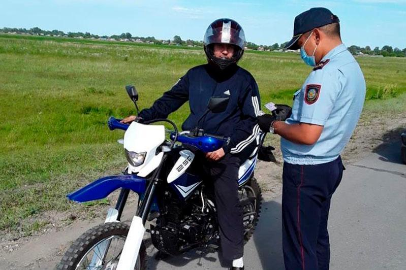 Запретить ездить на мотоциклах после 22:00 предлагают в Алматы