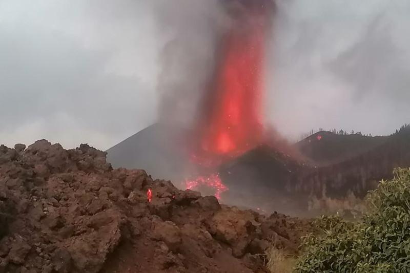 Ispanııada janartaýdan atqylaǵan lava 600-ge jýyq ǵımaratty qıratty