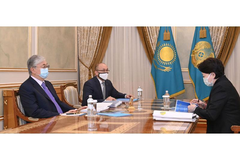 托卡耶夫总统接见文体部部长