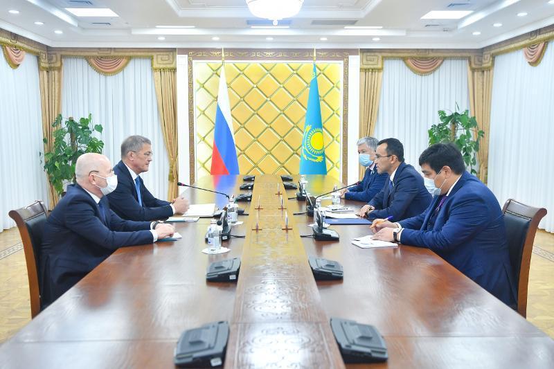 Маулен Ашимбаев встретился с Главой Башкортостана Радием Хабировым