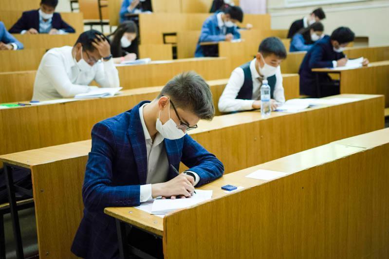 Свыше 5 тысяч социально уязвимых абитуриентов получили образовательные гранты в Казахстане