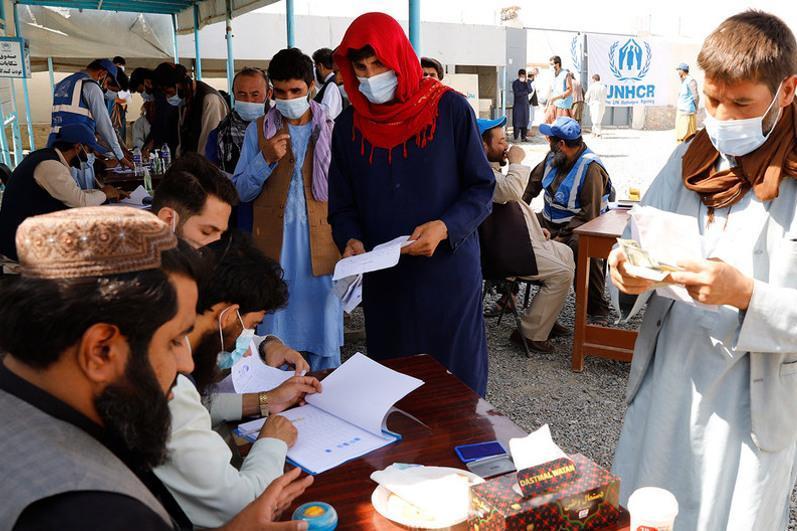难民署:2000万阿富汗人亟待援助