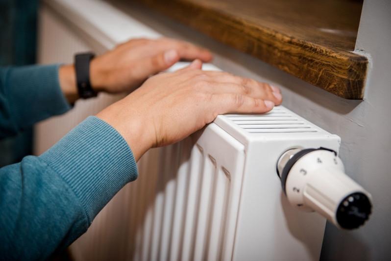 Тепло и горячую воду отключат в школе и некоторых домах в Атырау