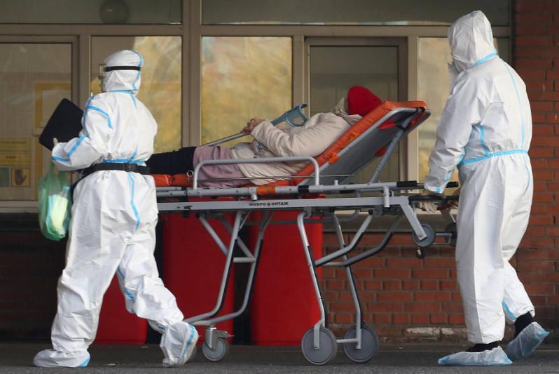 俄罗斯新冠病毒感染率继续上升