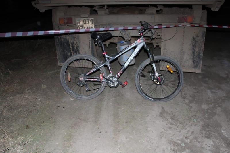 Оралда велосипед мінген адамды көлік қағып, мерт болды