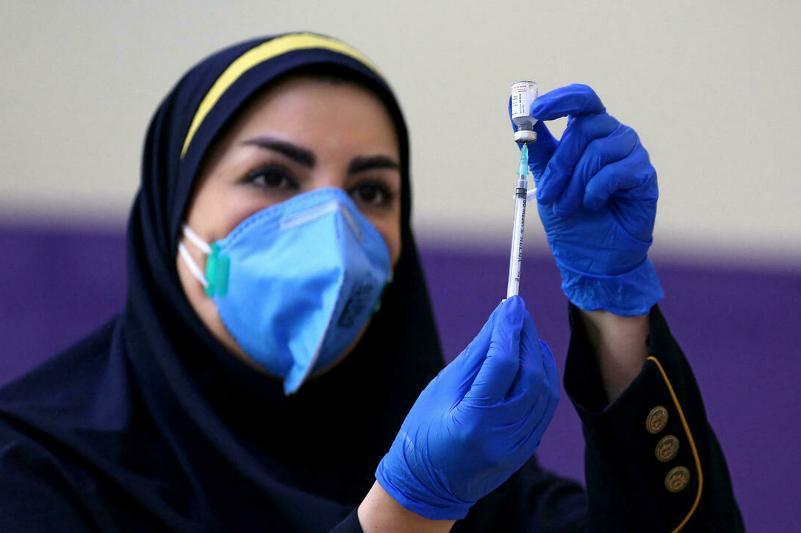 Эронда 46,8 млн киши коронавирусга қарши вакцинанинг биринчи дозасини олди