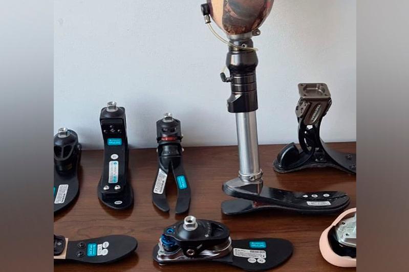 В Казахстане изготавливают протезы ног для занятий спортом и ношения обуви на каблуках