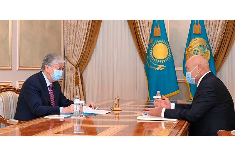 托卡耶夫总统接见突厥斯坦州州长