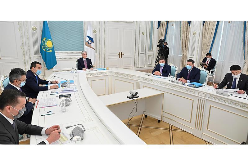 托卡耶夫总统主持召开最高欧亚经济委员会理事会视频会议