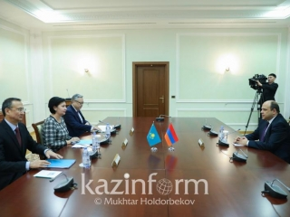 Kazakh Secretary of State meets with Armenian ambassador