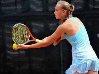 Kazakhstan's Rybakina eases into next round of Wimbledon qualification
