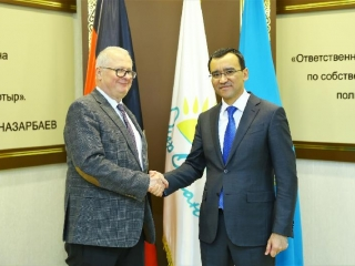 Nur Otan Party's First Deputy Chairman receives Japanese, German envoys