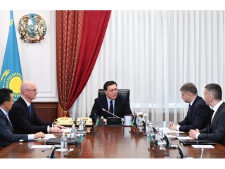 Askar Mamin meets CEO of Russian Railways JSC Oleg Belozerov