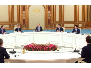2019 AEF: Tokayev meets leading foreign experts in Nur-Sultan