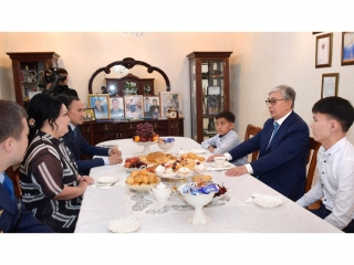 Kassym-Jomart Tokayev meets with family of Hero of Kazakhstan Gaziz Baitassov