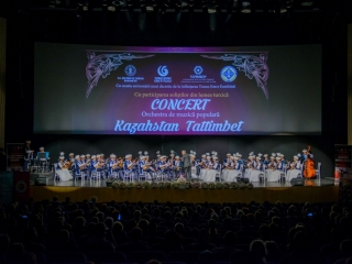 Kazakhstan's Tattimbet Orchestra of Traditional Instruments gave concert in Constanta