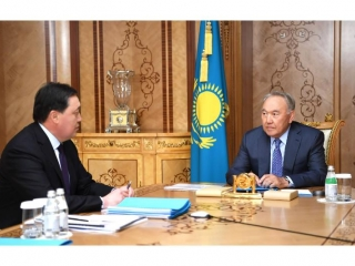 Nursultan Nazarbayev, Askar Mamin discuss Kazakhstan's development in Jan-Jul 2019