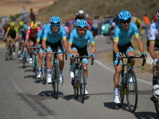 Vuelta a España - crazy, windy and super fast stage 17