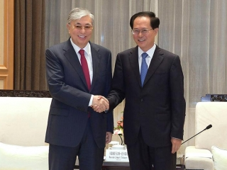 Kazakh President, Secretary of Zhejiang Provincial Committee of China's Communist Party meet