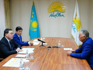 PM Mamin holds personal reception of citizens at Nur Otan office
