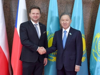 Majilis Speaker talks on strengthening Kazakh-Czech inter-parliamentary co-op