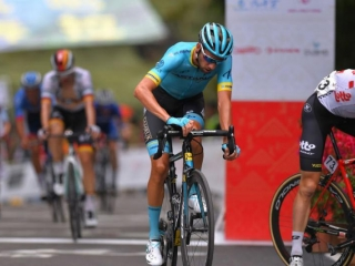 Gree-Tour of Guangxi. 10th place for Astana's Villella atop Nongla climb. Stage 4.