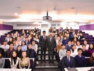Ambassador Idrissov holds annual meeting with Kazakh students in London