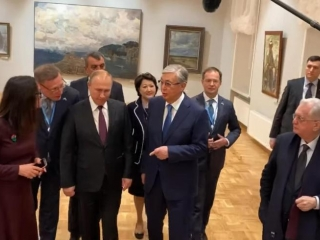 Kazakh, Russian presidents visited Hermitage-Siberia Centre in Omsk
