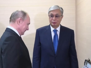 Kassym-Jomart Tokayev, Vladimir Putin exchange memorable gifts
