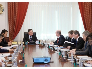 PM meets Chief of IMF Mission in Kazakhstan Mark Horton