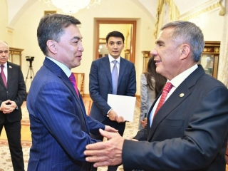 Kazakh senators meet with President of Tatarstan