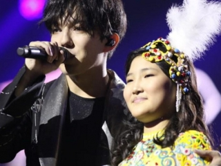 Girl from Nur-Sultan performs at Dimash Kudaibergen's concert in New York
