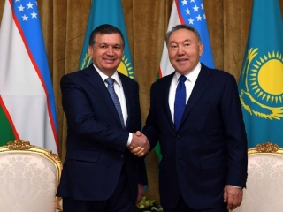 Elbasy, Uzbek leader congratulate each other on upcoming New Year