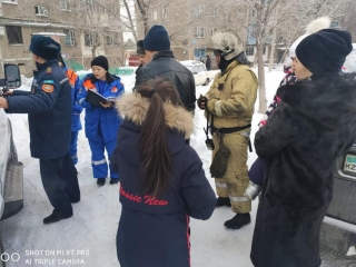Four kids rescued from fire in Karaganda