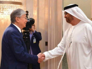 Tokayev meets with ADNOC Group CEO in Abu Dhabi